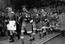 Grandi Storie / Piccoli e grandi racconti di football: tutta la passione per il calcio minuto per minuto.