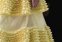 Fashion - Texture & Textile / by Miriam Moriarty