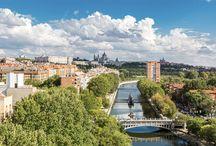 Manzanares - Madrid, Spanien / Madrid hat sich neu erfunden durch einen modernen Park am Río Manzanares.