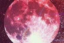 夜空 幻想的 / 月って見てると時間忘れる 何で人をこんなにも魅了するのか