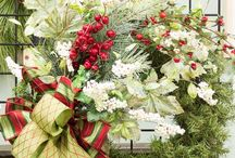 Wreaths & Swags / DIY decorating for the seasons.