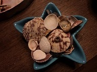 Crafts SEA SHELLS / Things you can do with beach finds / by Simone (Doberman's by the Sea)
