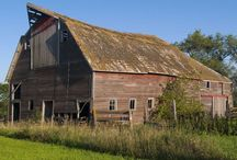 Architecture-Barns / all types of barnes / by VickiandJoey Froelich