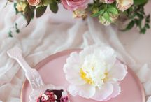 Wedding Flowers- Pink / Inspiration for a beautiful flowers and a timeless wedding featuring a fresh, new take on a classic pink color palette