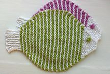 Knitted dish clothe