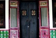 China antique and porcelain / 同治百子瓶(china antique porcelain) / by Ks Tan