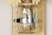 Mason Jar Wall Decor / Mason jar wall decor projects are a fun and frugal way to showcase your artistic tastes. Whether you're looking for Mason jar wall art, Mason jar wall sconces, Mason jar vases, or completely different Mason jar home decor options, you'll find it here!  For more Mason jar ideas visit: http://masonjarbreakfast.com/.