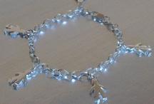 Joyas de Plata con Niños / En nuestra joyería online podrás comprar joyas de plata de niños, niñas y gemelos. Colgantes de plata, charms y pulseras de plata a medida para regalar joyas exclusivas. Estas y muchas más en http://www.elrincondemisalhajas.com/