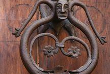 Door knockers & knobs& handles