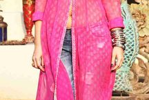 Bollywood Fashion Trends / Catch up with the latest updates on Bollywood Fashion and Style Trends!
