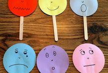 Las Emociones y Los 5 Sentidos- Emotions and 5 Senses / Teach emotions and 5 senses in Spanish