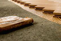 RENOVACE PARKET A PODLAH / Provádíme renovace veškerých druhů dřevěných a parketových podlah včetně strojového čistění, olejování, voskování a lakování podlah.   ZAMĚŘENÍ A KONZULTACE ZDARMA  -  VOLEJTE  731 175 065