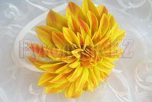 foamiran keltaisia kukkia