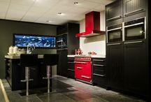 Chester / Zwarte massief houten keuken, inclusief beton werkblad, kookeiland met betonblad, quooker,Falcon fornuis, inbouwapparatuur