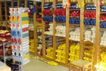 klompen winkel klompenmakerij Traas / Wat verkoopt de klompenkapper