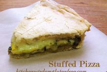 Stuffed Pizza / Stuffed Pizza Kitchen Wisdom Guten Free Recipe http://kitchenwisdomglutenfree.com/2015/03/08/stuffed-pizza-with-roasted-vegetables-gluten-free-forget-what-you-know-about-wheatc-2015/