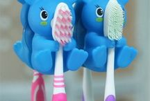 Children's handheld products: wildlife theme