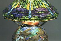 Tiffany  lampen, klok , vazen en panelen. Art Nouveau