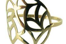 Bagues or / Bagues en or découpées au laser, technique de pointe qui permet de créer avec précision des motifs fins et complexes !