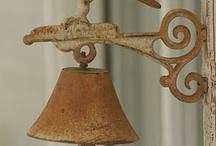 Bells / Sinos e sinetas