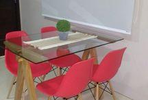 mesa de madeira / Mesa de madeira Angelim e cadeiras pé de palito.