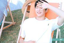 Kang Daniel GIF