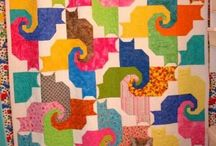 Cool catzzzz / Quilts with cat pattern or cat with quilt. Fabric cat