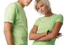 Tricou B&C Exact 150 Men B02 / Tricou barbatesc fabricat 100% din bumbac. Tricoul are o banda de strangere la gat cu elastan, o banda de intarire de la un umar la celalalt si nu are cusaturi laterale.