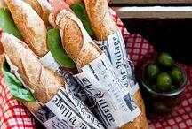 Très chic, le sandwich ! / Pour un repas pris sur le pouce; rapidement et simplement, rien ne vaut un bon sandwich ! Baguette, pain de mie, bagels, pain Suédois, il y a 1001 idées pour se régaler avec un sandwich...  #sandwich #piquenique #750grammes http://www.750g.com/recettes_sandwiches.htm / by 750 Grammes