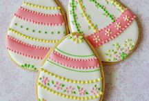 Decorated Cookies / Ideas for decorated sugar cookies / by Kristy O'Brien