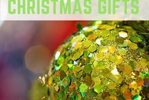 Christmas Gifts for Travellers / Christmas gifts for the traveller in your life.