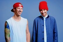 twenty one pilots<33