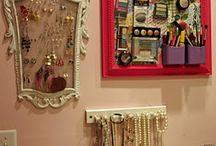 makeup/jewellery