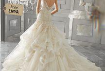 Bridal Fall 2017 / https://www.morilee-bridal.store/collections/coleccion-bridal/fall-2017  Enamorarse puede ser mágico.  Enamorarse de tu vestido de novia debe ser demasiado. Deja que Morilee de Madeline Gardner te ofrezca esa pizca extra de polvo de hadas hasta el día más encantador de tu vida. #Boda #wedding #dress #morilee #vestido #vestidodenovia #vestidodesueño