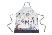 Kitchen & Dining Gifts / Decorate The Kitchen With a Variety Of Personalised Products That Make Great Kitchen and Dining Gifts At The Heart Of The Home