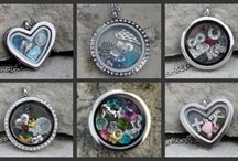 Floating Memory Lockets / Floating Lockets with charms