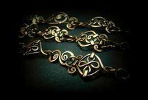 Lucrari in cupru realizate manual / Mai multe creatii in cupru , otel inoxidabil sau sticla gravata, gasiti pe site-ul de prezentare: http://hadarugart.weebly.com