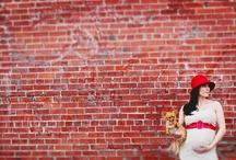 Maternity Photos / Artistic lifestyle photographer Maurice Wright of Betwixt Studio creates modern maternity photos for stylish expecting couples.