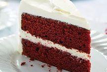 red velvet cake met  room.