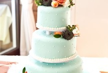 CAKES... / by The Wagon Wheel Blog by Kristen Stearn
