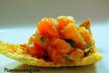 Блюда из сырой рыбы и сырого мяса / Различные карпаччо, тартары, севиче и прочие блюда из сырого мяса и рыбы.