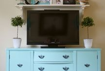 Painted Furniture / Make an old piece new with a simple coat of paint!