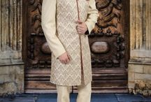 Indowestern-Sherwani / Showcase a graceful ethnic look when you wear this ivory indo-western attire. Made from high quality blended fabrics and tailored for a regular fit, this will keep you comfortable.