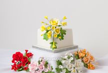 Ready-Made Sugar Flowers / Decorate your cakes, cupcakes & cookies in minutes with our hand made sugar flowers.