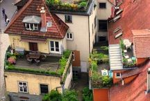 unusal gardens / I'm in love with gardens on rooftops,terraces,and balconies