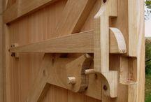 fechadura em madeira