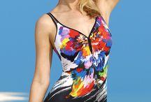 Water Lily - kostiumy, które zachwycą każdą kobietę. / Niemiecka marka Sunflair wciąż zaskakuje swą dokładnością i świetnymi wzorami. Geometryczna linia Water Lily - to ciekawa interpretacja radosnej gamy kolorów, zatopionych w klasycznej czerni. W tej linii, każda kobieta odnajdzie kostium dla siebie.  http://www.bodylook.pl/szukaj-o_s_0_1.html