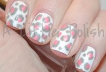 Nails, nails, nails / by Maritza Miller
