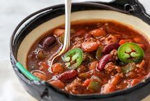 Lunch: Soup/Chili Recipes / Delicious soup and chili recipes from tortilla to gazpacho, cheese, clam chowder, French onion, minestrone, potato, tomato and all others in between. Many are gluten free!