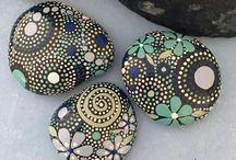 mandaly, malování, kameny